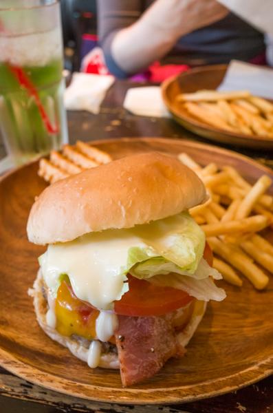 Burger's Base-02