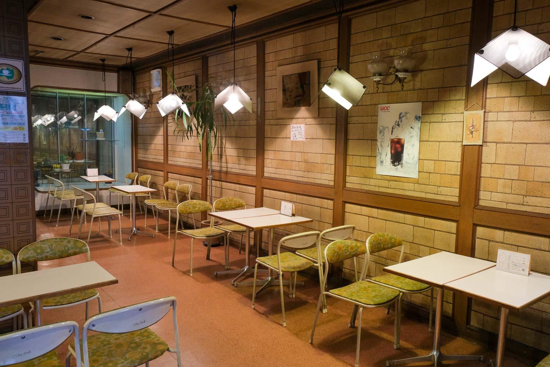 オジマパンの喫茶スペース