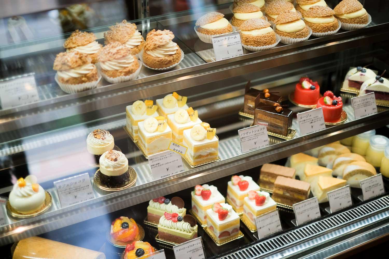 パティスリーエクロールのケーキケース