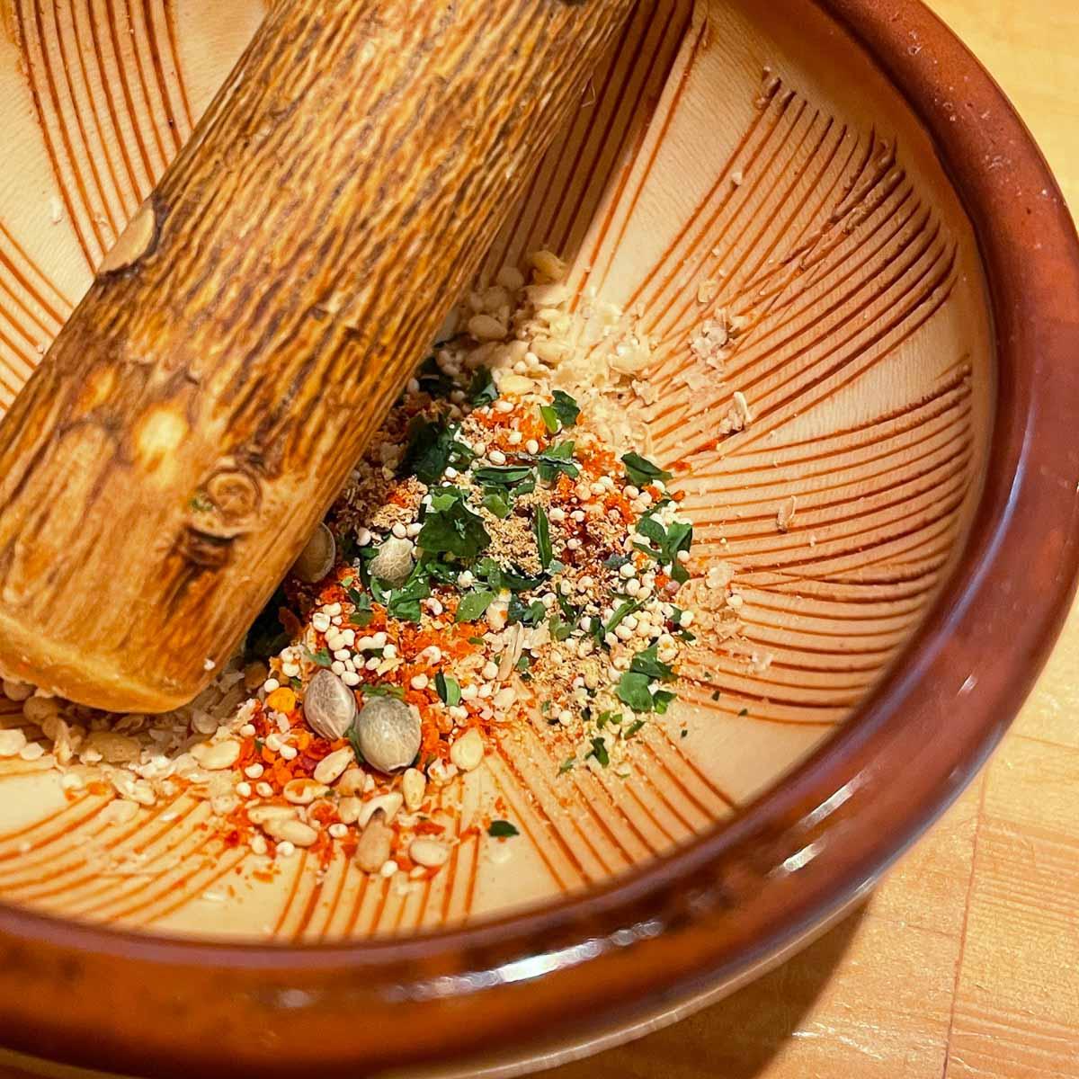 熊たまやの七味唐辛子のすり鉢